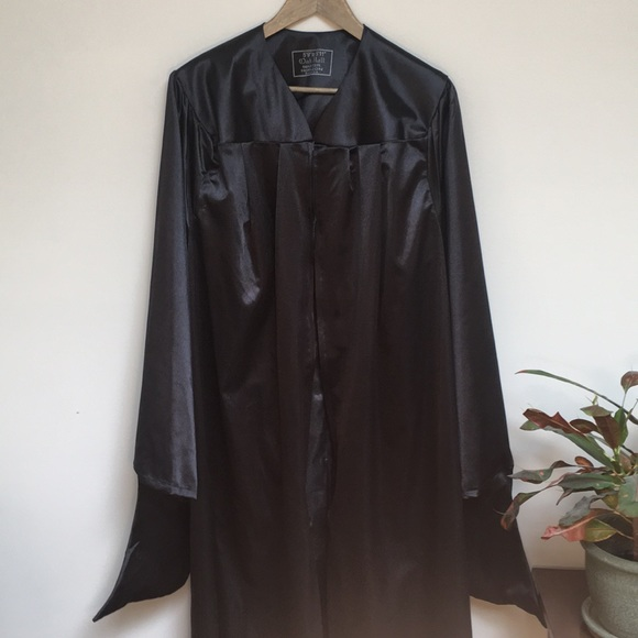 81% off Oak Hall Other Masters Graduation Gown And Cap 59 To 511 ...